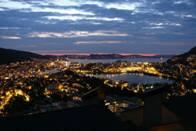 Výhled na Bergen v noci